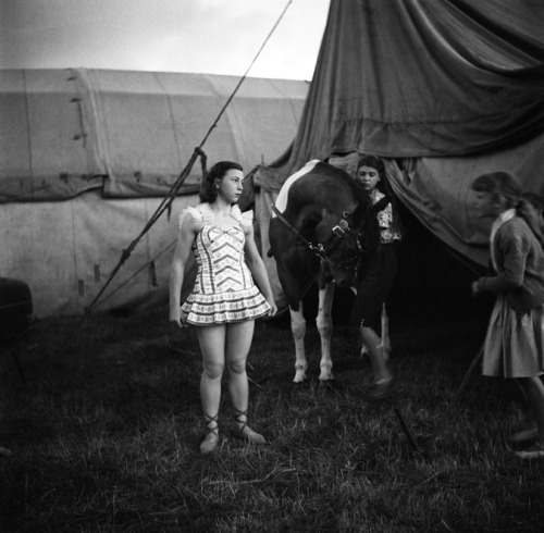 sisterwolf:  Bever Circus, 1956   via