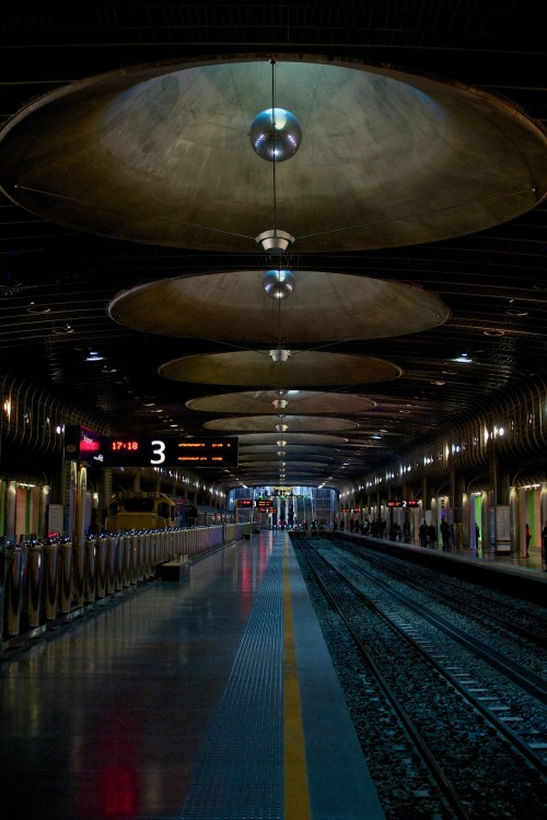lensblr-network:  Britomart, Auckland NZ. by blackadvertiser.tumblr.com