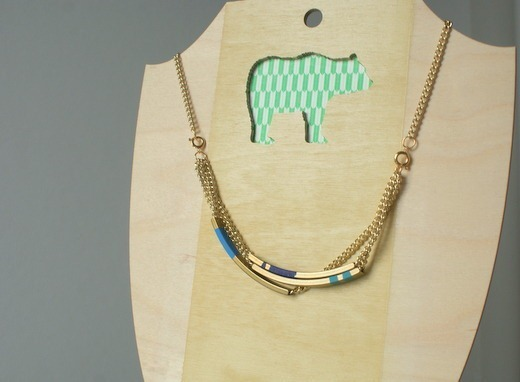 Brass Tube Necklace | Whimsey Box A while ago I read about an etsy shop called Geometric Land. Everyone was raving about the amazing geo pieces she had for sale. I of course went nuts too and immediately bought some pieces…. and then was like… what do I do with them!? Well of course Whimsey Box brings me the perfect project - the coloured bands just make the piece.