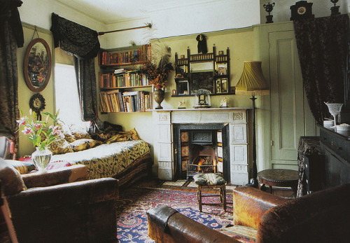 w4lrusss:  'The World of Interiors' by hello mr fox on Flickr.