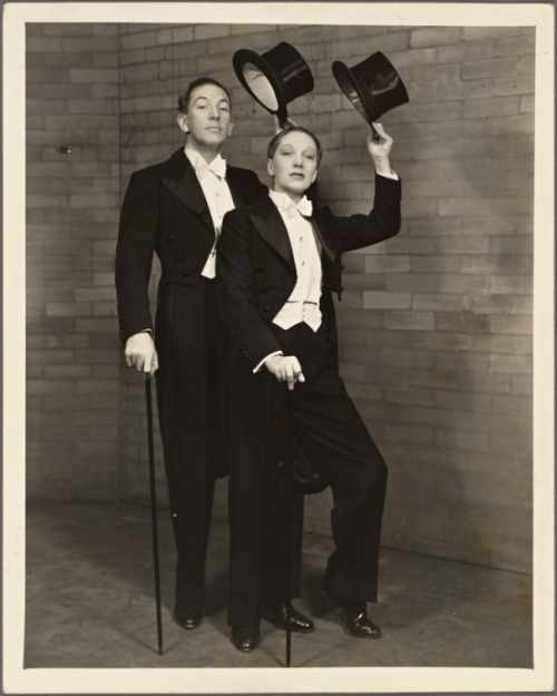 "moika-palace:  Noël Coward and Gertrude Lawrence as George and Lily Pepper in ""Red Peppers"" from Coward's Tonight at 8:30. (1936)"