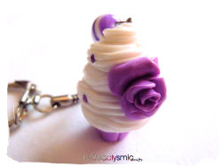cateaclysmic:  Sweet Lavender Cupcake Keychain ♥ Cateaclysmic Crafts ♥