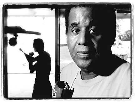 A very respectful RIP to legendary boxing trainer #EmanuelSteward who passed away yesterday. The head of Detroit's Kronk Gym & the strategic mind behind Julio Cesar Chavez, Lennox Lewis, the Klitschko bros, Tommy Hearns, Evander Holyfield,  Oscar De La Hoya, and many other World Champions, he will definitely be missed and will leave an indelible mark on sports. Our sincerest condolences to Detroit and the boxing community. More at: http://www.latimes.com/sports/sportsnow/la-sp-sn-boxing-steward-dead-20121025,0,6718126.story