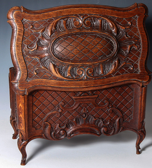 http://www.rubylane.com/shop/antiques-uncommon-treasure/ilist/,id=0