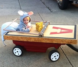 guyswithkids:  Ready to trick-or-treat? Get more costume ideas on our new Pinterest board! http://ow.ly/eNeor
