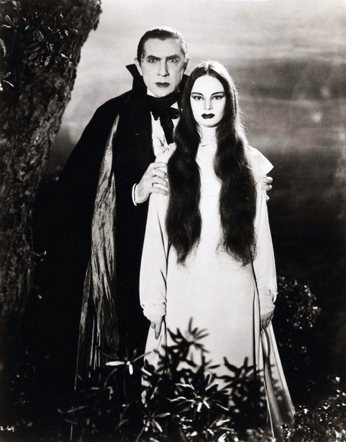vintagegal:  Bela Lugosi and Carroll Borland in Mark of the Vampire (1935)