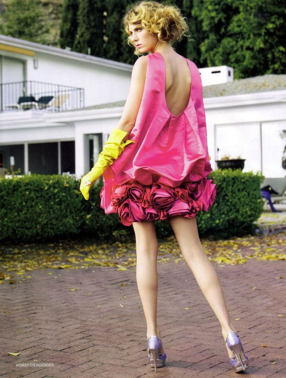 UK Vogue May 2007 Angela Lindvall by Horst Diekgerdes