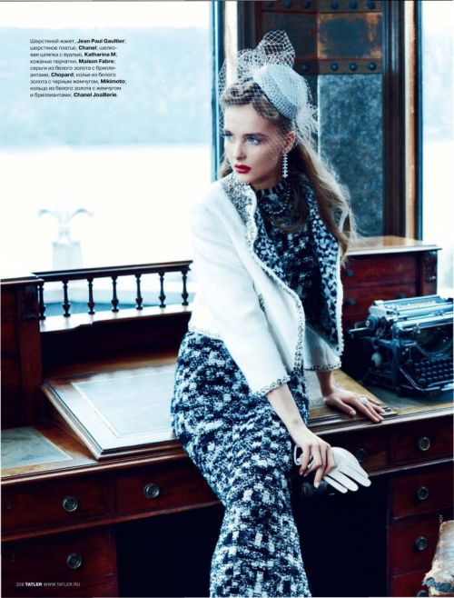 d-elicatebeauty:  Tatler Russia October 2011