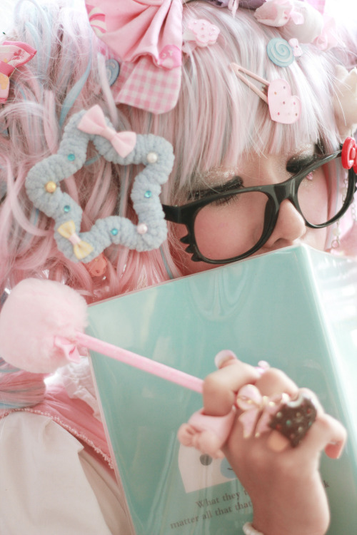 kattiefish:  Sweet like sugar <3 Model : me :'p Photo by Hiu Koy