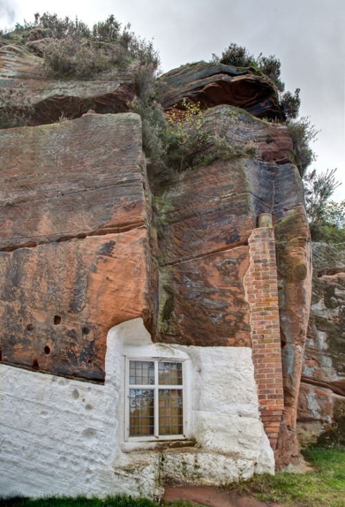 awelltraveledwoman:  petitpoulailler:  hiromitsu: Holy Austin Rock, Kinver, Staffordshire by GethinThomas on Flickr  oh stop this!