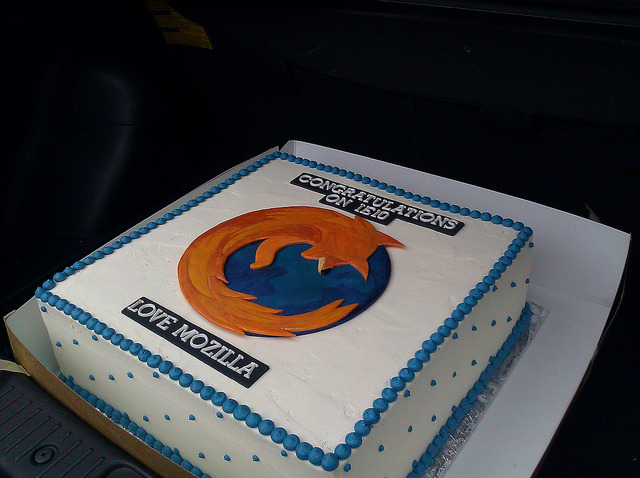 Mozilla IE10 cake by mbrubeck on Flickr.
