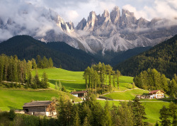 definitelydope:  Santa Maddalena II (by travelpix)