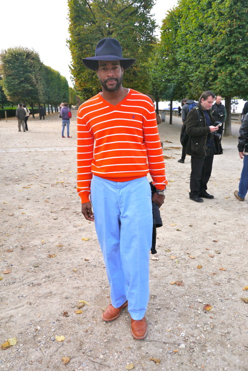 neoretrostreetstyle: Karl Edwin Guerre style!!!! Very Nice Combo Hat x Tangerine x Blue Pant x Brogue Shoes His Blog: Guerreisms  He has a real style!!!