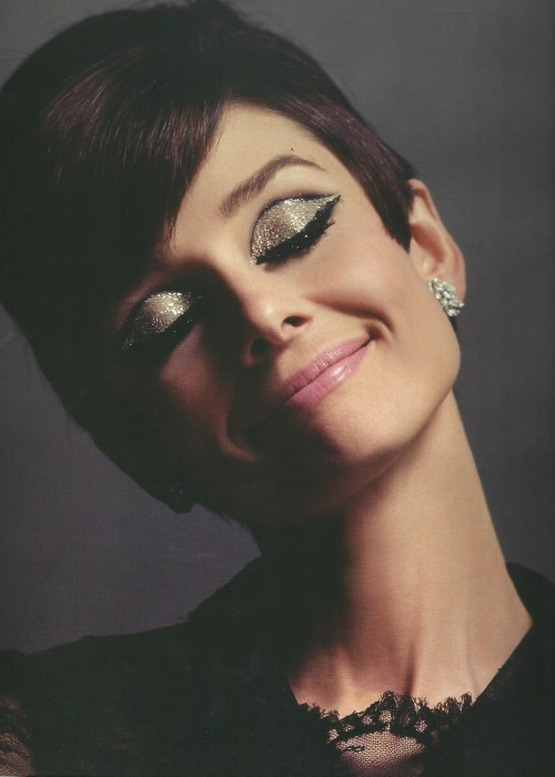 ashtonlives:  Audrey Hepburn photographed by Douglas Kirkland for How to Steal a Million, 1965.  I freaking loved that movie ^