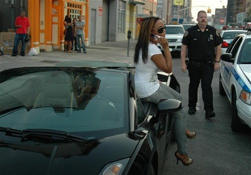 playboydreamz:  Queen Bee getting pulled over by NYC police. Still killin it!