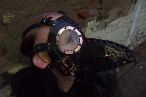 steampunkonda:  Plague doctor mask - steampunk version by ChanceZero