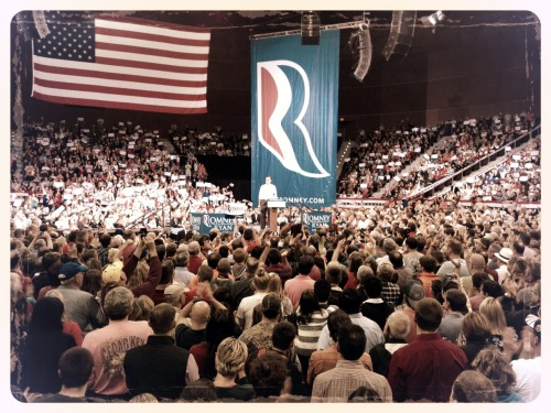 Mitt takes center stage in Pensacola, FL