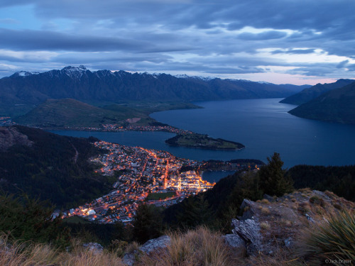 fuckyeahprettyplaces:  Queenstown, New Zealand.