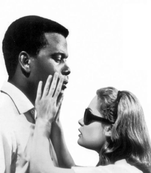 filmcigarettes:   Sidney Poitier and Shelley Winters  inA Patch of Blue (1965)