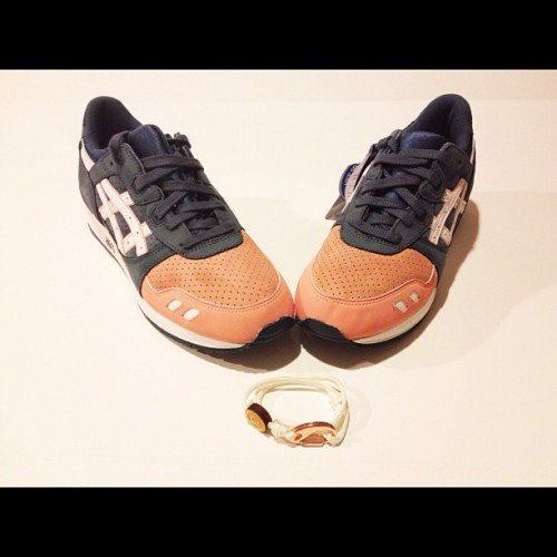 | SALMON TOES | Matched with an All White DOUBLE LOOP 14k Plated Rose Gold Clasp | #sntmntl #doubleloop #dailywristwear #technicalessentials #14k #Rosegold #s7 #complexkicks