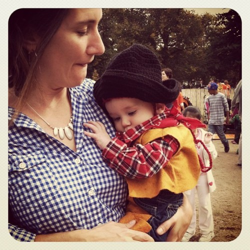 thekidhasarrived:  Snuggliest cowboy in the east. #fortgreenepark