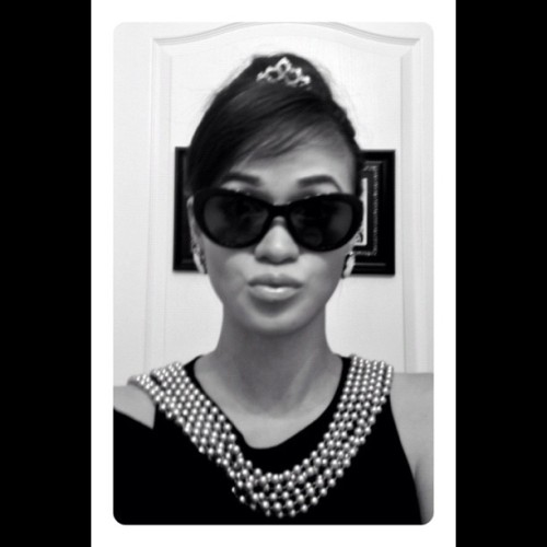 Halloween Party at the Blakely's! I'm going as Holly Golightly. 😊👠👗💄 via @frametastic #breakfastattiffanys #audreyhepburn #halloween #party #igersmanila #igersflorida #igers #costume #saturday