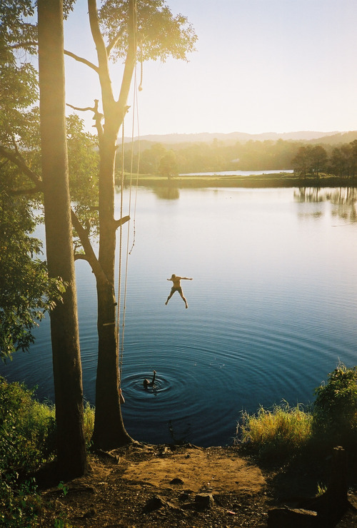 mercerxxx:  Dude this is the rope swing I've been here it's in oxenford!!!