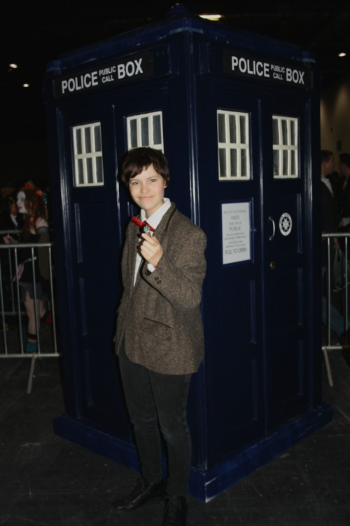 nodistancelefttorun:  Me at MCM Expo today. Found a TARDIS!