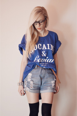 lookbookdotnu:  BOYFRIEND's T-SHIRT (by Aneta M)