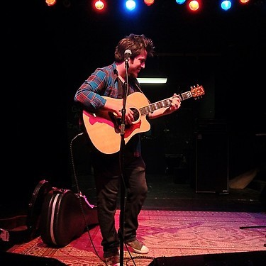 Lee DeWyze performs Sound-check at Stage One in Fairfield CT Photo via @Sendlimes on Twitter HERE