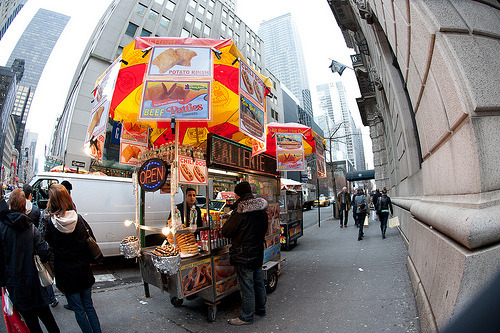 oh-woah-dope:  panc-ke:  street food yay  omfg i want junk food so much right now