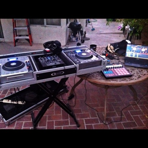 Ready to DJ again, #dj #music #party# Saturday #igdaily #igers #iphone4 #iphoneonly #teamiphone
