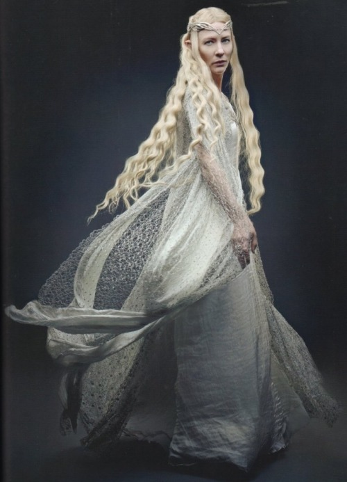 suicideblonde:  Cate Blanchett as Galadriel in The Hobbit