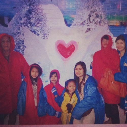 Snow World @mhajody!#fambam #quality #time #kiddos #mom&pop #sisters #starcity #snow #iphonesia #instagood #instagramers #igers #instalove  (at Star City)