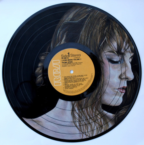 eatsleepdraw:  Florence Welch drawn on a vinyl record.Click for more! :)