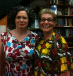 cathybraythepoet:  Matching outfits at Gleebooks - Judith Lucy and fan.