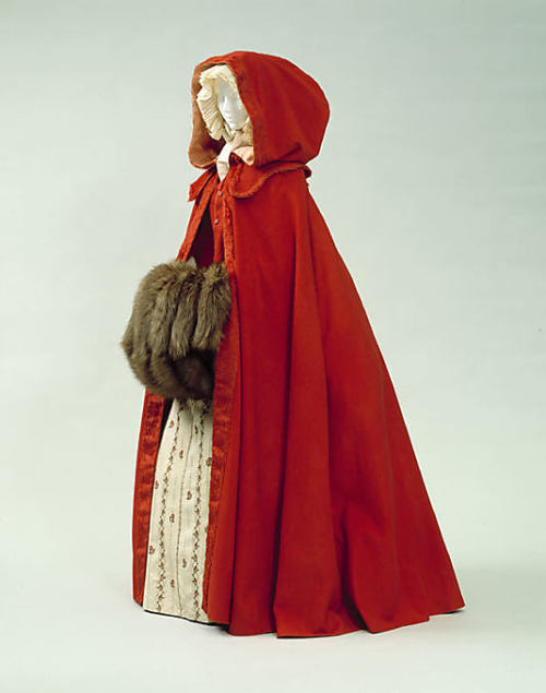 omgthatdress:  Cloak Late 18th century The Metropolitan Museum of Art