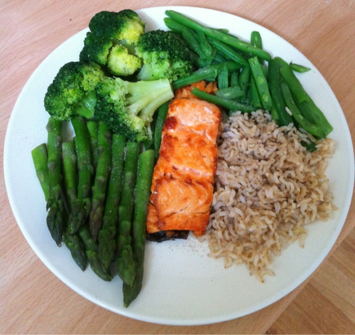 keep-calm-stay-healthy:  wanna-be-hella-fit:  eatcleanmakechanges:  yum  Perfect meal  My three favorite green vegetables