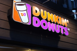 inhaledonuts:  dunkin donuts unf <3 korea has these like on EVERY street <3333