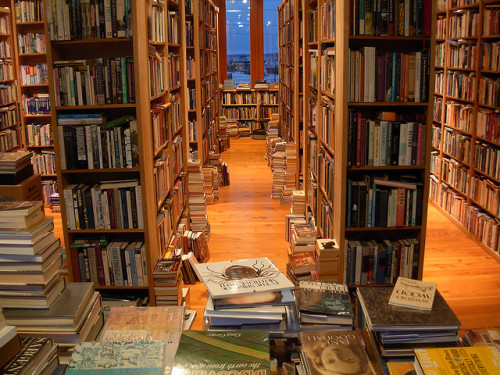 librarian24:  Eclipse Books - Bellingham, Washington by brewbooks on Flickr.  Filed under CC BY-SA 2.0