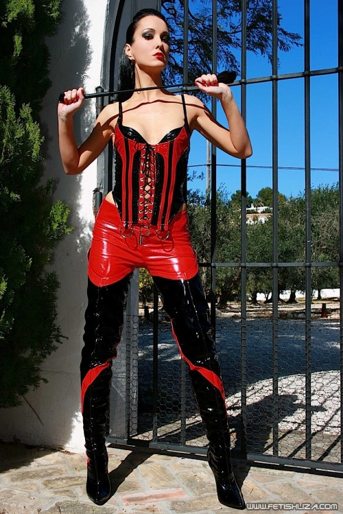 Kinky Mistress is calling you.