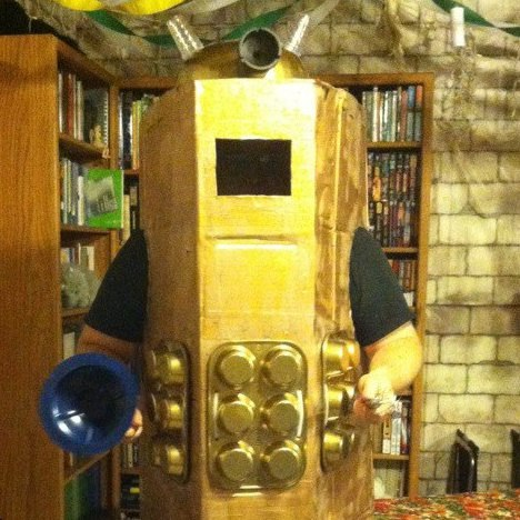 Reddit, I give you the most low-budget Dalek costume ever (with a major assist from Dollar Tree and the guy at the liquor store for the cardboard)http://scificity.tumblr.com