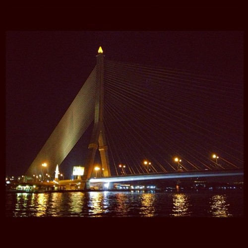 #ramaviiibridge#bridge#bangkok#thailand#night#river#darknight#meijiz#picoftheday#chill#bestoftheday#webstagram#instamania#instamood#view (at สะพานพระราม 8 (Rama VIII Bridge))