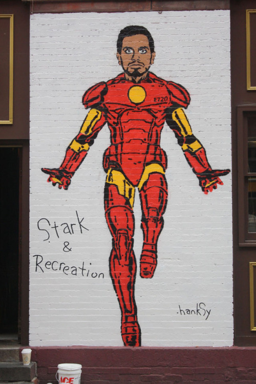 tomhanksy:  Stark & Recreation. For NYC Comedy Fest and Vandalog. Mulberry & Grand, NYC. Photo Credit: Rhiannon Platt