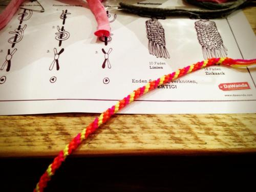 Are friendship bracelets really the next big DIY-trend? If so: I'm prepared!