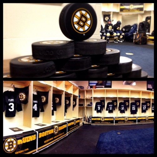 The Winthrop Squirt B youth team won the chance to be coached by Claude Julien through a raffle benefiting the B's Foundation. The players had this #lockerroom waiting for them when they arrived. Read more here. #Bruins