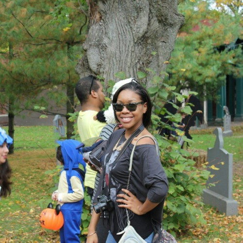 My little sis @nichiie always finds the #camera #posing #BooattheZoo #Bronx #BronxZoo #NYC