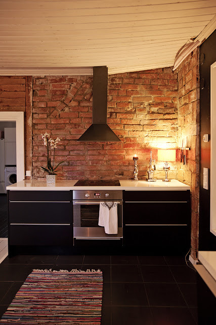 myidealhome:  exposed bricks in the kitchen (via MRS JONES)