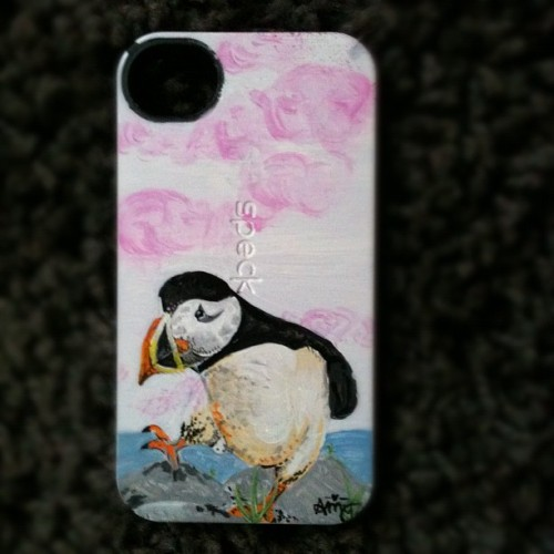 You wish you had a puffin on your phone case