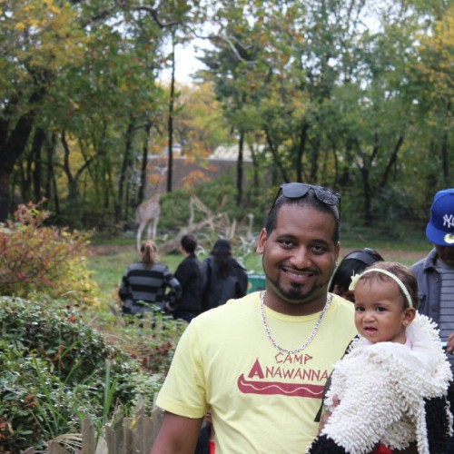@supaq and #Sophia walking back from the giraffes #BooattheZoo #BronxZoo #Bronx #NYC